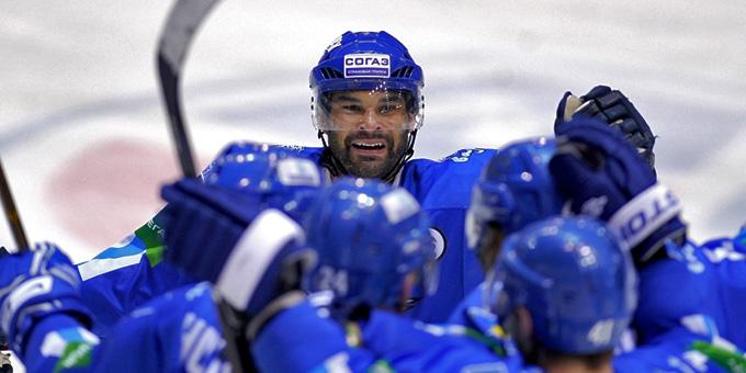 Найджел Доус стал третьим снайпером в истории КХЛ