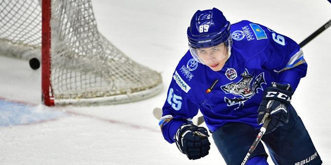 Самат Данияр признан лучшим защитником десятой недели МХЛ