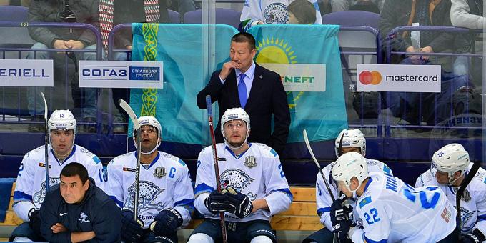 """Галым Мамбеталиев: """"Мы решили, что лучше играть своими ребятами, которые будут биться и грызть лёд за родную команду"""""""