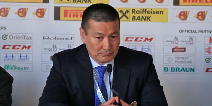 Сборная Казахстана похоккею разгромила команду Польши