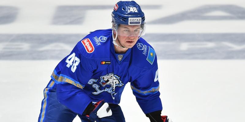 Роман Старченко признан лучшим нападающим восьмой недели в КХЛ
