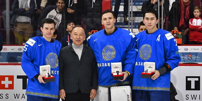 Названы три лучших игрока сборной Казахстана на молодёжном чемпионате мира в Канаде