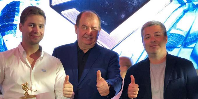 Леонид Метальников сделал совместную фотографию с Николаем Проскуриным