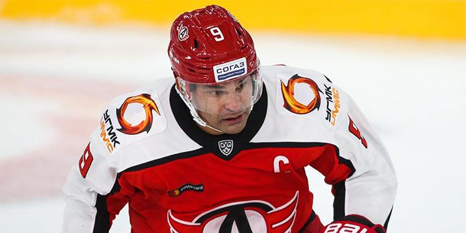 Найджел Доус забил 250 голов в КХЛ