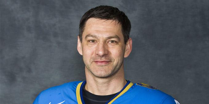 Легендарный защитник сборной Казахстана Владимир Антипин возвращается на родину