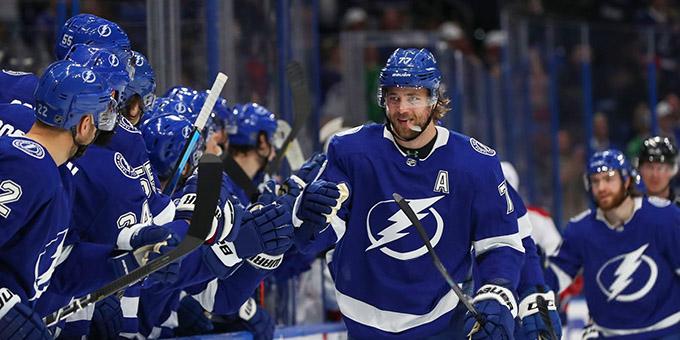 НХЛ возобновит сезон, в плей-офф сыграют 24 команды