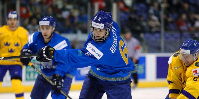 Права на перспективного казахстанского хоккеиста перешли в российский клуб