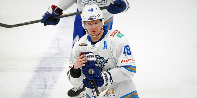 """Роман Старченко: """"Это не первый случай в истории хоккея, когда игроки одной команды дерутся между собой"""""""