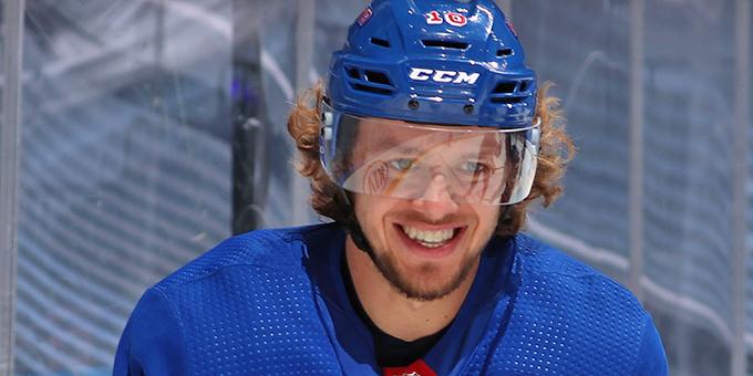 Артемий Панарин превзошёл результат Максима Афиногенова в НХЛ