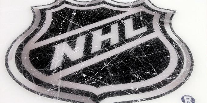 НХЛ переносит начало плей-офф