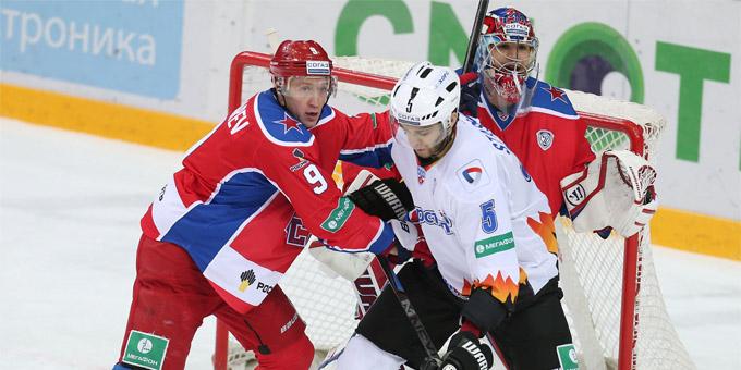 Воспитанник Усть-Каменогорска Алексей Бондарев продолжит карьеру в ВХЛ